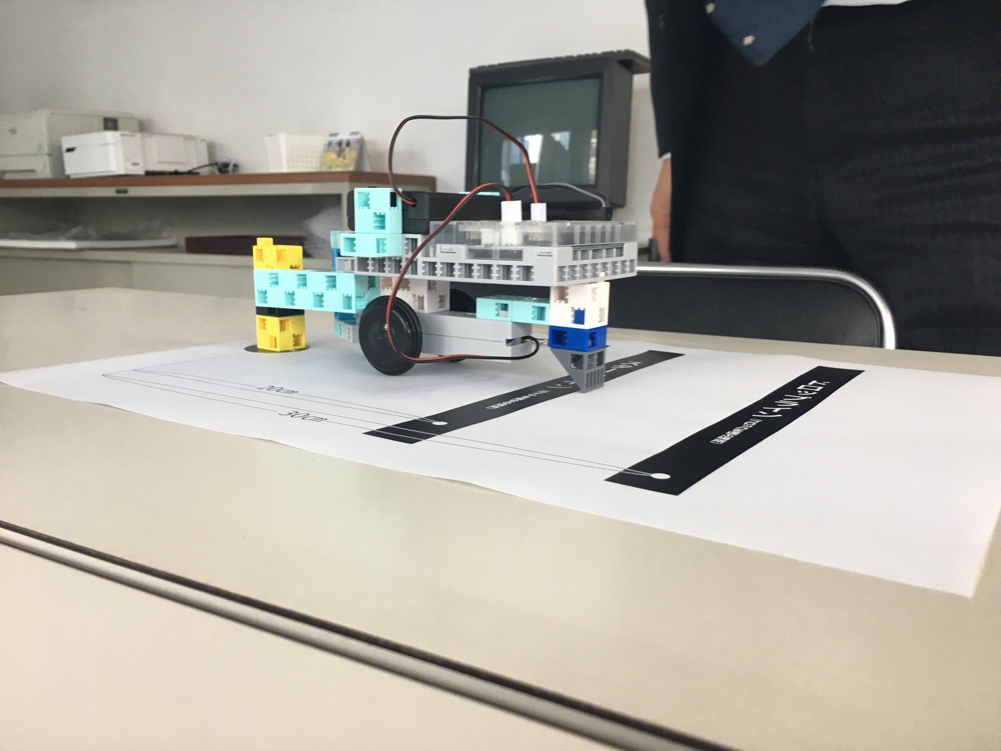 プログラムされたロボットの実験